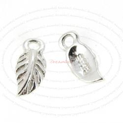 8x STERLING SILVER CUTE LITTLE LEAF DANGLE CHARM SPARCER 7.5mm