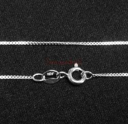 1x Sterling Silver 0.9mm BOX Chain with spring clasp 18""